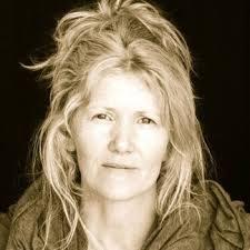 Caroline carey profile_